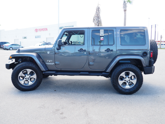 Pre-Owned 2017 Jeep Wrangler Unlimited Unlimited Sahara