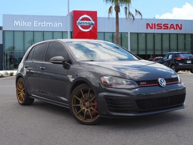 Pre-Owned 2017 Volkswagen Golf GTI SE 4-Door